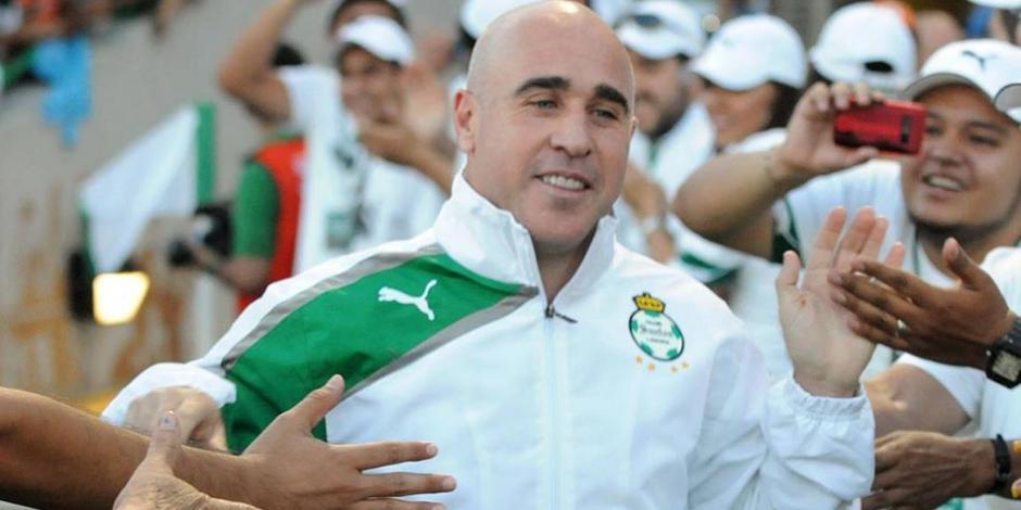 """😕 ¿No los valoran en La Comarca?  """"Pony"""" Ruiz siente que a él y a #Borgetti los han hecho a un lado de @ClubSantos https://t.co/xZMPD5NoUl https://t.co/KJTAvdrKd2"""