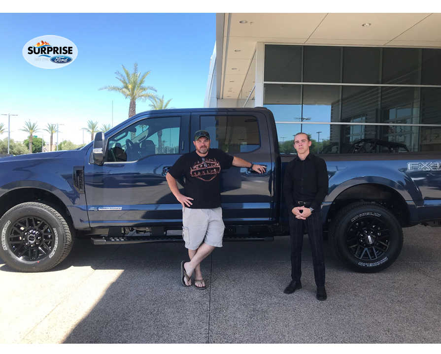 Congratulations AirForce-veteran Aaron Landess on the perfect truck, this 2020 #FordF350Lariat, assisted in the easy process by Fred McCurry. Interested in a new or quality pre-owned #SurpriseFord vehicle? Call Fred at 864-607-5640. #SurpriseFordSuperstore #FredatFord #FordF350pic.twitter.com/uNfCcE40jC
