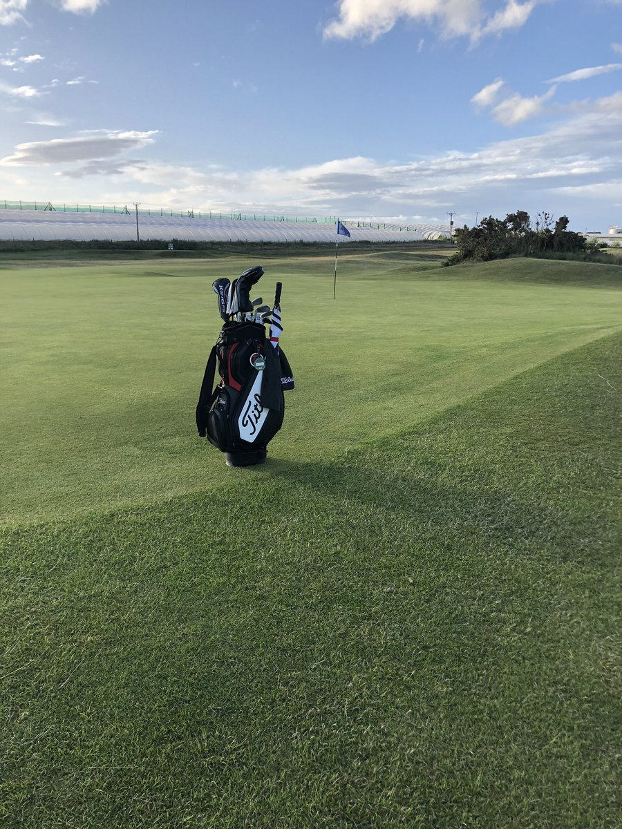 Twilight golf with the course to myself #linkslife https://t.co/XoDUjDMnNt