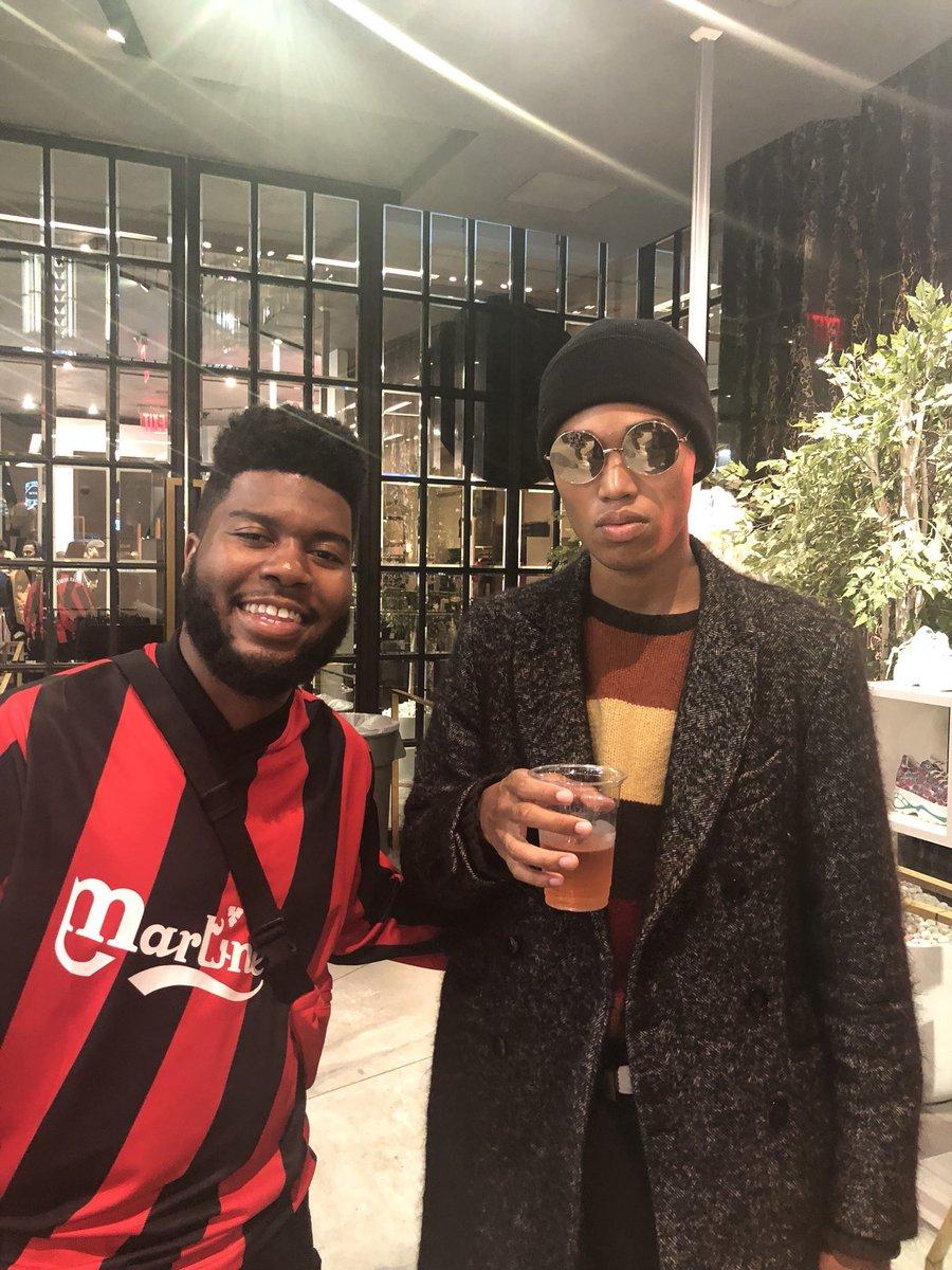 Just met Khalid https://t.co/n2m4J0vIQN