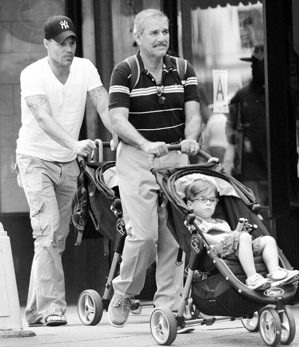 Replying to @ricky_martin: El mejor papá del mundo. Don Enrique Martin Negroni. ¡Te amo papá!