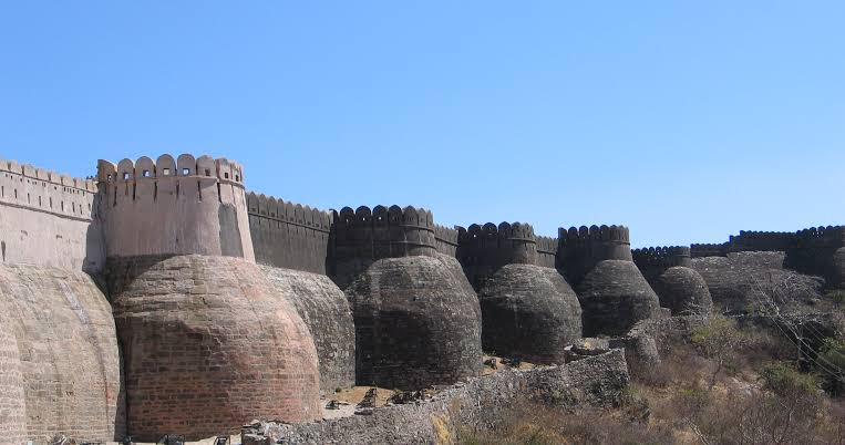 Dwarka had many bastions(image below is an example) on which different war equipments were kept, with which soldiers were defending Dwarka.