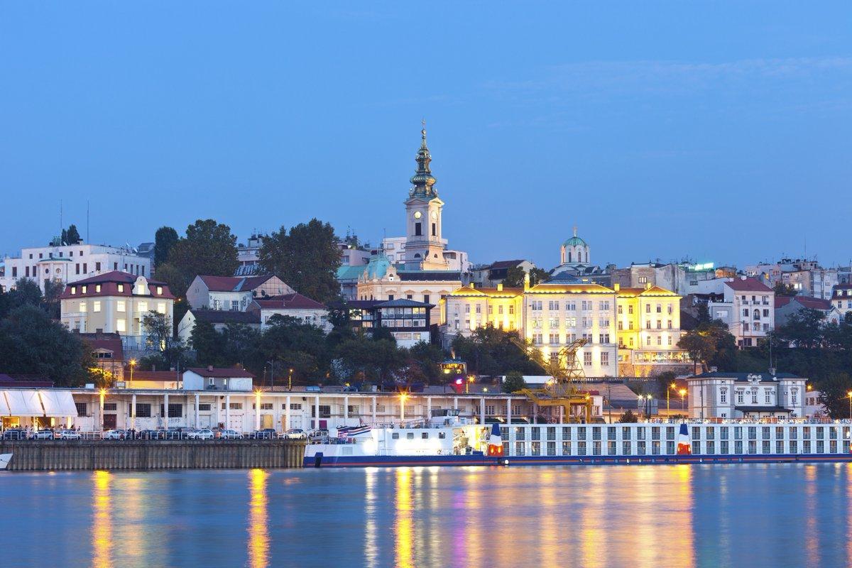 Inzwischen zählen wir wieder rund 2.000 Fluggäste pro Tag! Es können gern noch mehr werden, zum Beispiel durch unsere neue Wizz-Air-Verbindung: Ab dem 17. Juli geht es mit dem ungarischen Low-Cost-Carrier dreimal pro Woche in die serbische Hauptstadt Belgrad. https://t.co/BtVhFvHUwP