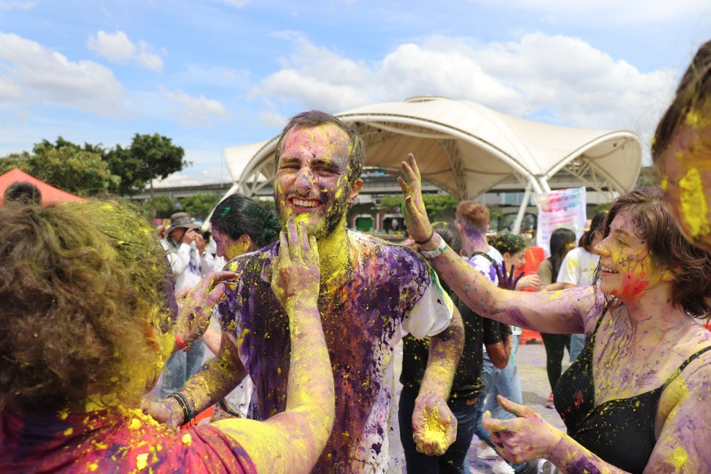Taiwan holds only Indian Holi festival in world  https://t.co/DGVPr7Zrvi https://t.co/Od1qQfz66t