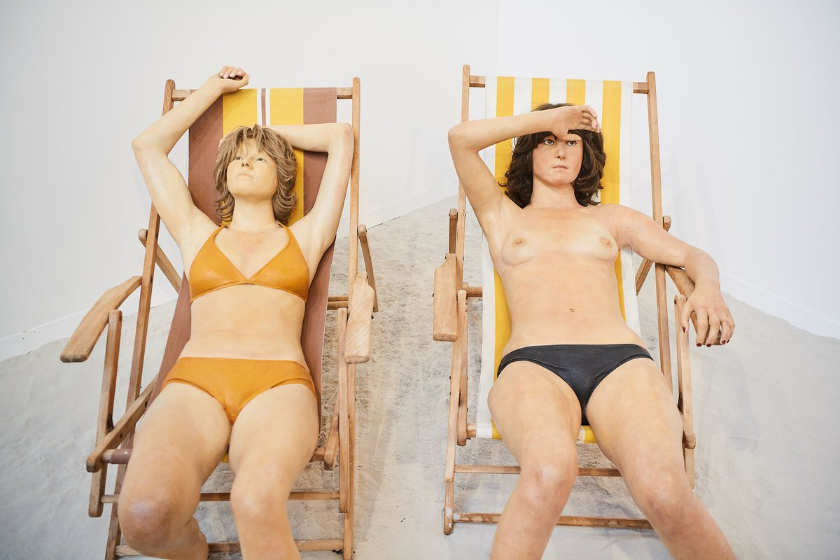 """[Summertime]  Wishing you a beautiful sunny week!   #artbrussels #throwback #galerieantoinelaurentin #contemporaryart #summertime  Picture: #JacquesVerduyn, """"Pat and Veerle"""", 1974, featured by @LaurentinArt during #ArtBrussels 2018 <br>http://pic.twitter.com/6XnImapbgM"""