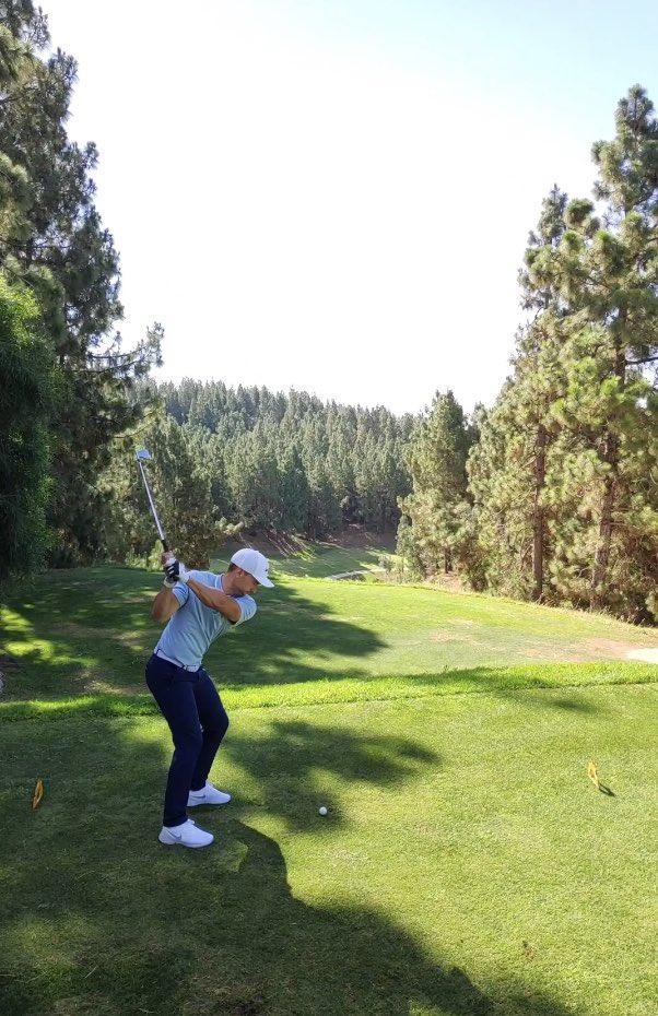 Hello !  Would you like to play like a pro? Manuel Morugan    Hole 8   Nice Birdie Chaparral Golf Club   http://www.golfelchaparral.com  #chaparralgolfclub #GolfLife #Golfer #GolfSwing #SimplyChaparral #PlayGolfMálaga #Golf #SimplyUnique #summer #CostaDelSol #golfpro #spainpic.twitter.com/B7sBrJcYKQ
