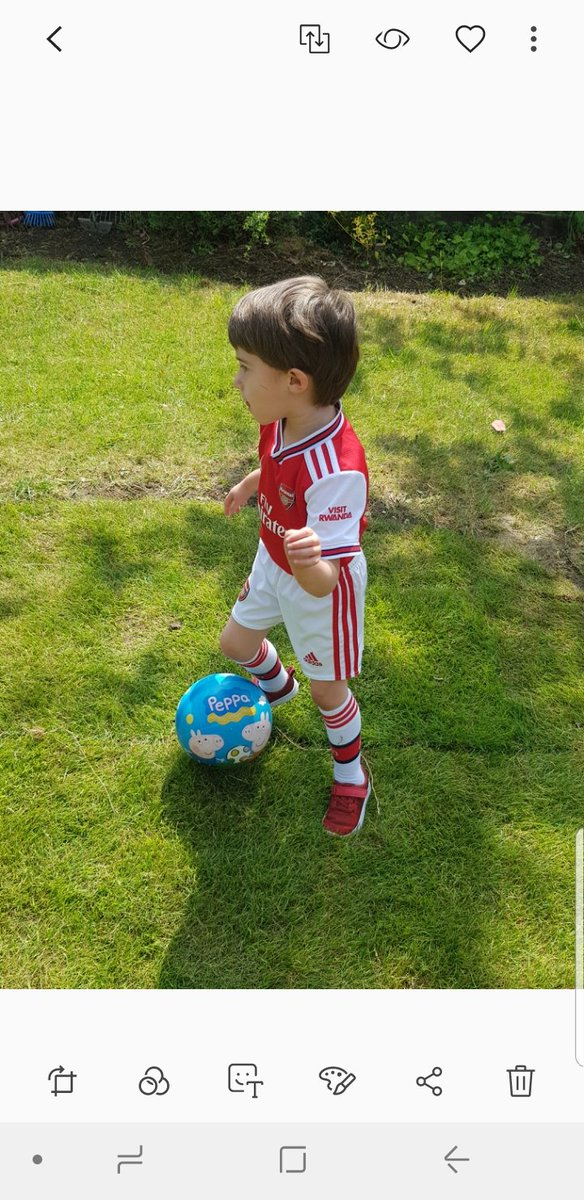 @ProfKarolSikora Little champ got a heart review tmrw, 1st appt since heart surgery, lets hope rerouting of his right artery is doing its job. Been playing alot football lately. Been very hard sheilding but this puts a smile on your face @Arsenal he loves @MesutOzil1088 https://t.co/yDjcFpsFq7