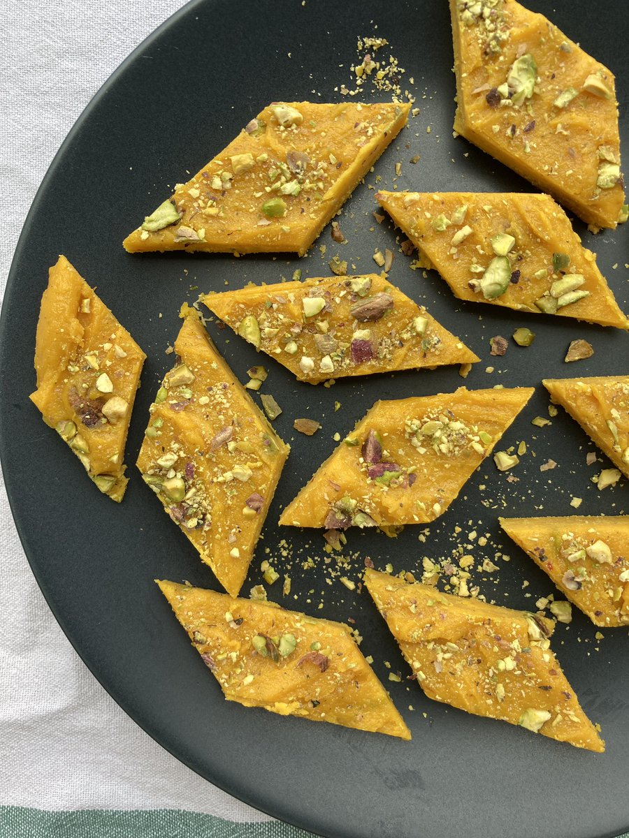 Mango and cardamom Barfi with @poojadhingraa on her shiny new YouTube channel!🥰 https://t.co/0W76xYIQF4 #RecipeOfTheDay #barfi #recipes #sweet #mango https://t.co/tUYPv5nNTG