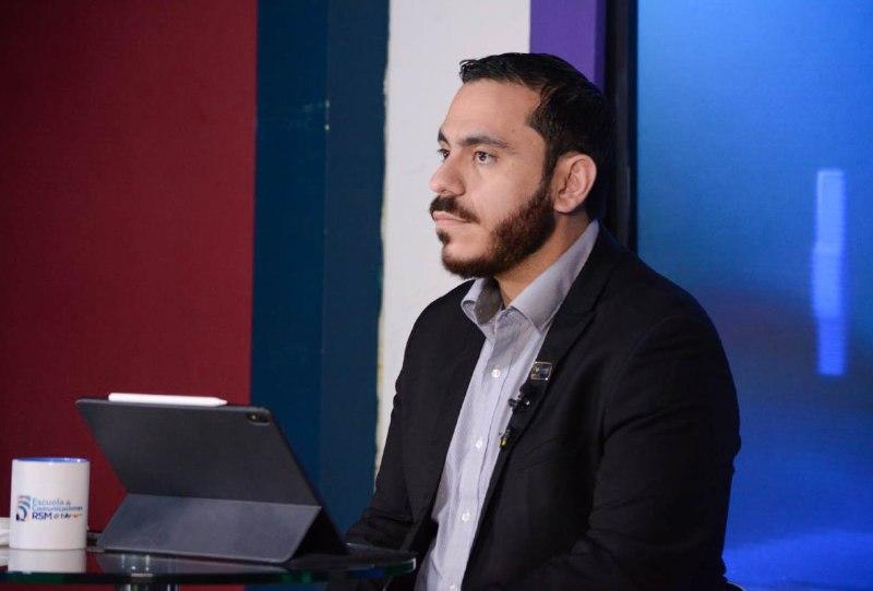 Denuncian en TEG a ministro de Salud por contrato a funcionario Jorge Aguilar
