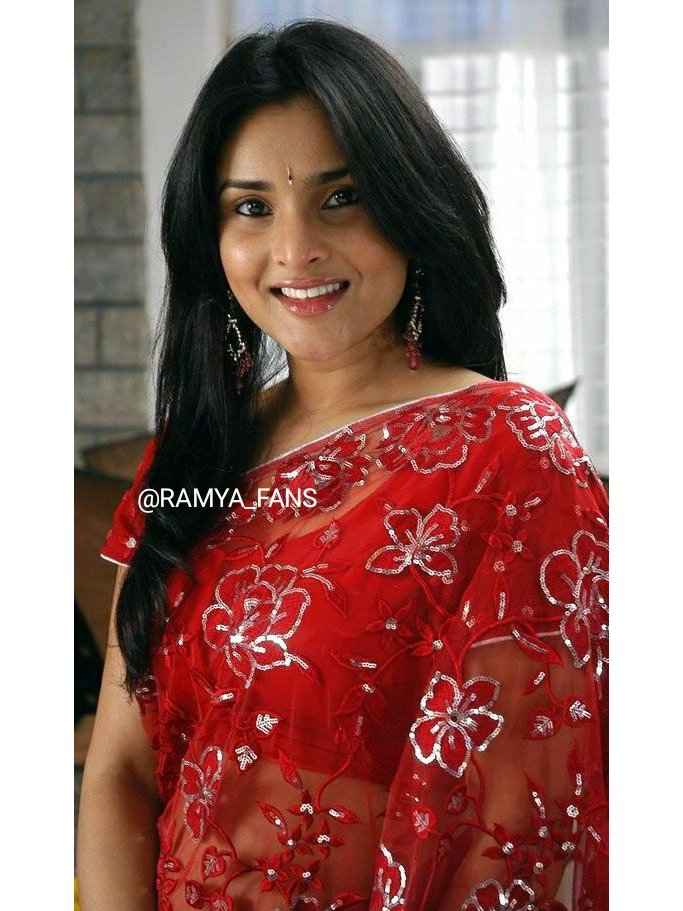 ಸ್ಯಾಂಡಲ್ ವುಡ್ ಕ್ವೀನ್ ರಮ್ಯಾ @divyaspandana #Sandalwoodqueen #sandalwoodpadmavati#sandalwoodqueenramya#kannadthi #nimmaramya#actressramya#angel #diva #divyaspandana#padmavati #luckystar_ramya #mohakataareramya #goldengirl_ramya#ramya#ramyaplsdofilms #ramya_fanspic.twitter.com/wbrcwQGaV1