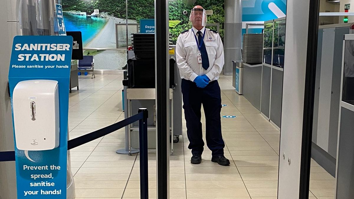 Our Security staff are starting to get used to wearing their PPE as they greet more passengers coming through our security search area. Passengers are reminded to regularly use the many hand sanitiser stations located throughout the terminal. #StayAlert https://t.co/IPJ1oPQF6l https://t.co/CY0vyGKtt8