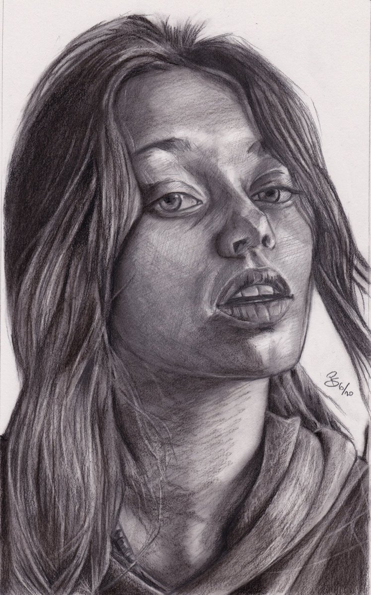 """Emily"", #charcoal and #graphite #portrait on #bristol #paper ref. by @sktchyapp #Sktchy  #art #handdrawn #handdrawnart #teamdli  #sktchyinspired #pencildrawing #graphitedrawing #artist #pencil #graphite #illustration #italianartist #drawsomethingshowcase #united_artists_art_pic.twitter.com/dBo1Zx7gHP"