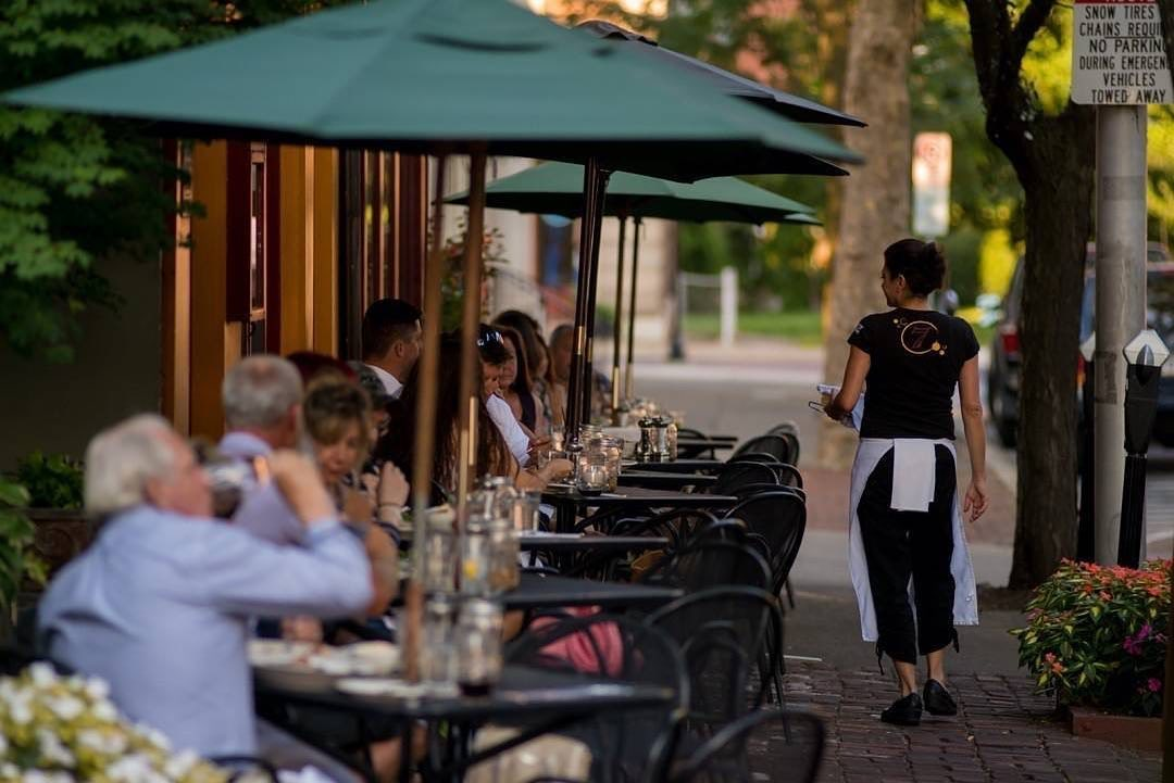 Dreaming about date night? Trying exploring Easton's takeout & outdoor dining scene! Enjoy a main course from @SetteLuna, dessert from @EastonPublicMkt, & a growler to-go from Two Rivers Brewing. Find more options: bit.ly/3gZGWi0