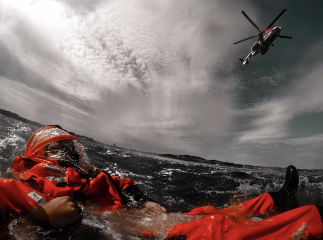 How do search and rescue trainers prepare for the worst situations? Njord Fornes is a student in Norway with photography being one of his biggest hobbies. He got the opportunity to join the team and capture the whole experience on camera 📸 >>> gtx.to/3dqdHlo