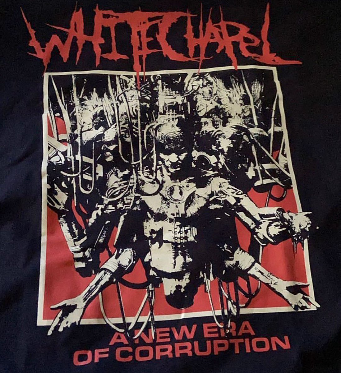 Most sizes of the New Era longsleeve are gone but we have all sizes of the black t-shirt available.  Grab yours before they are gone at https://t.co/Ju1dTx4yMc ! @merchnow https://t.co/qXWQHwr3G5