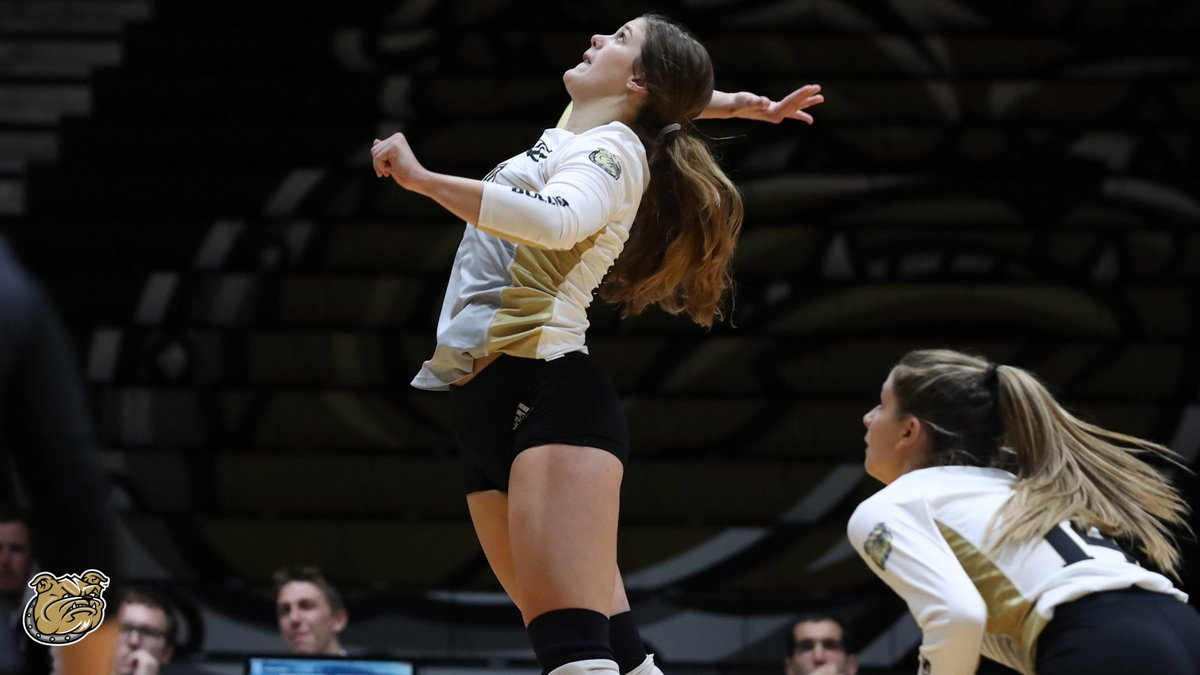 📝 Stay busy, stay productive.  @jennaknight33's approach to her college experience has led to success in the classroom, on the court, and on campus with @BryantUSG_.  ➡️ https://t.co/TeIKGVlh0h  #GoBryant | #NECVB https://t.co/fqpVBr7eGD
