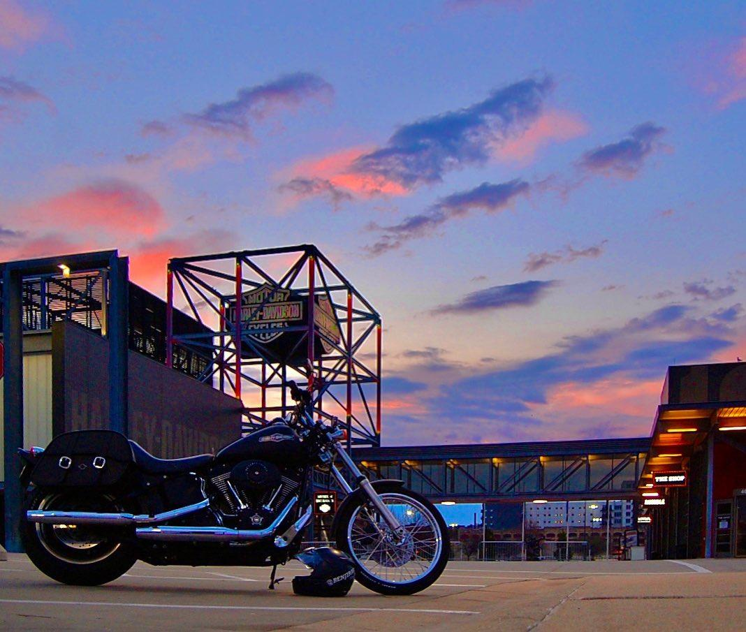 We're excited to welcome you back to the H-D Museum campus today!   Read about all of the measures we're taking to provide a safe visit for you ➡️ https://t.co/Q6UB3x6CuM   📷: Ben J.    #HDMuseum #HarleyDavidson #VisitMKE #TravelWI #GoodThingsBrewing https://t.co/eyGzAqbdMC