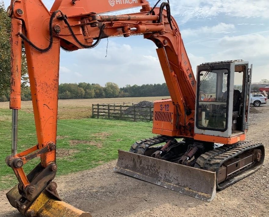 Last week, we posted a photo of a 2001 #Hitachi #excavator that is still going strong and in response we received a lot of retro photos of your first machines.  Here are a few of our favourites! https://t.co/Hn1IhfqXXf