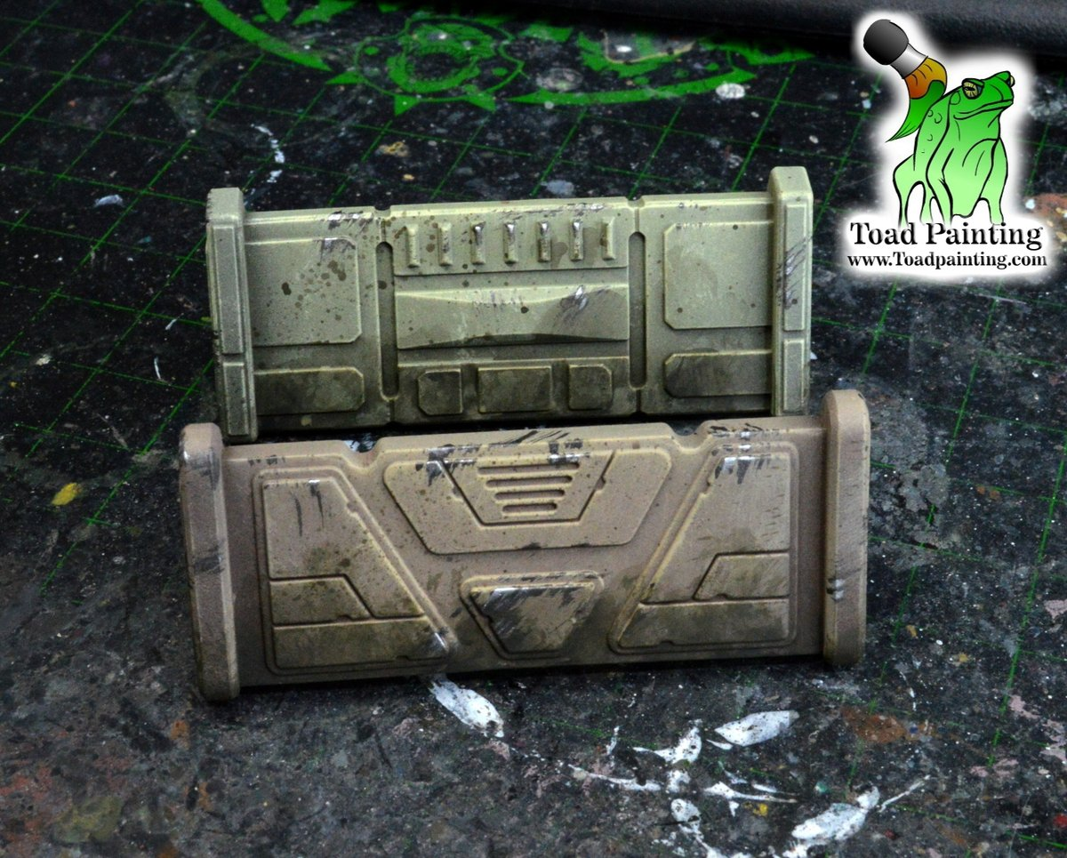 A couple barricades from  #starwarslegion by @FFGames . Even simple models like these are good practice for weathering and textures.    #minipainting #miniaturepainting #miniatures #StarWars #miniaturemonday https://t.co/vnkx85FVKK