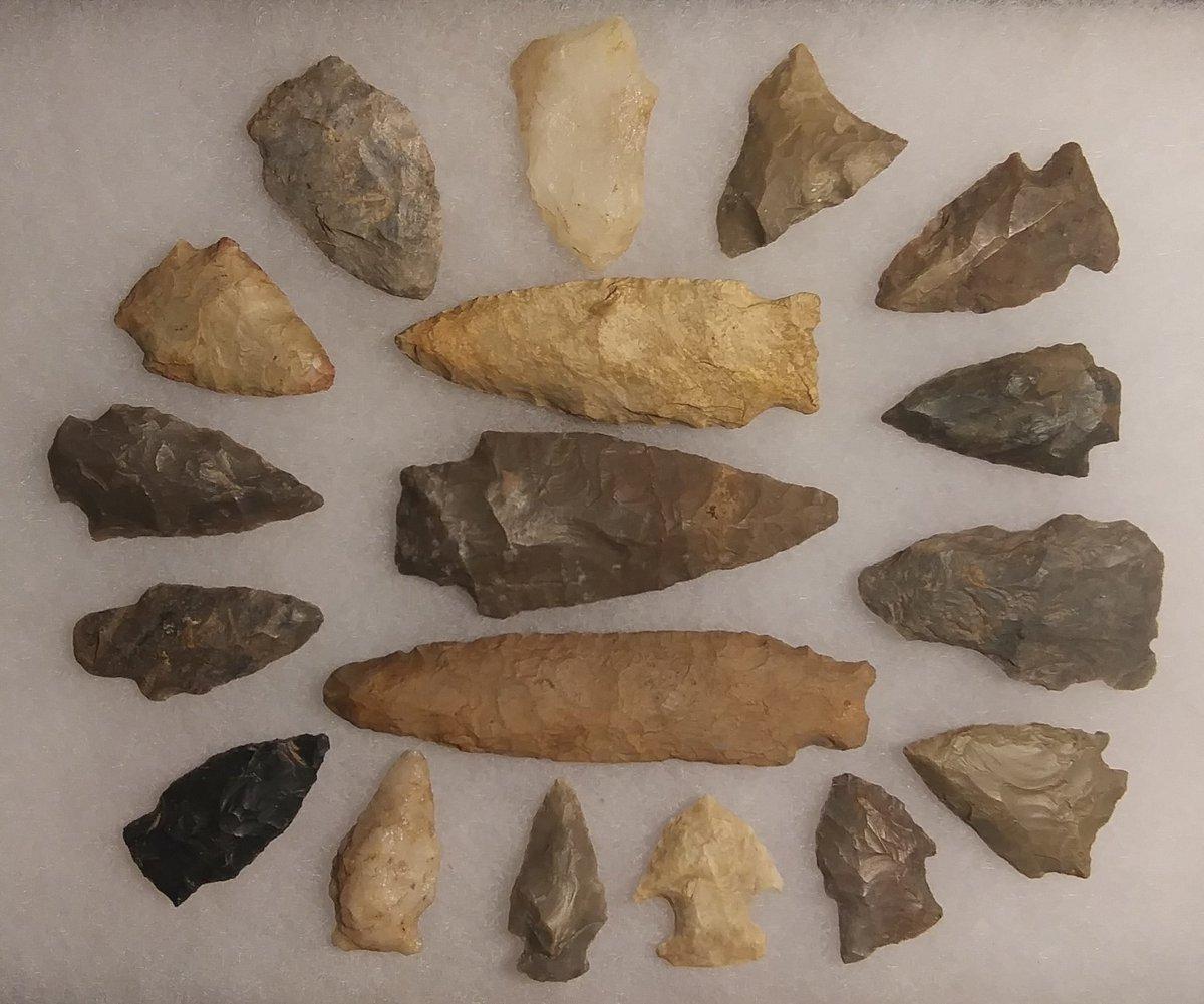 A few nice #arrowheads and #artifacts from #centralkentucky #arrowhead #artifact #flint #chert #NativeAmerican https://t.co/rCLNN032aW