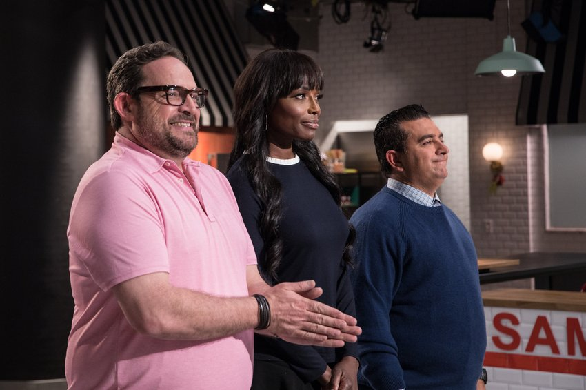 .@CakeBossBuddy is joined by @lorrainepascale & @NachoAguirreM for another week of cookies, cupcakes and unbelievable cakes! An all-new #BigTimeBake is up NEXT at 9|8c! https://t.co/8nBAHbNTXL