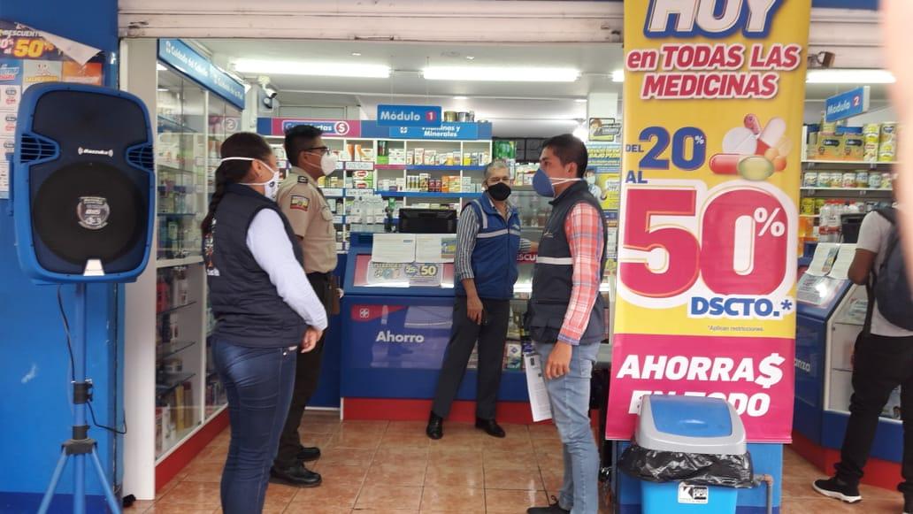 #GobernaciónCotopaxi #JefaturaPangua #ComisariaNacional Realizamos operativo de control de precios y especulación en las farmacias de la parroquia #ElCorazon por la emergencia del covid-19 #QuedateEnCasa #Por un #CotopaxiMásMejor  @Gober_Cotopaxi @Presidencia_Ec @MinGobiernoEc https://t.co/lMrjN7MCxk