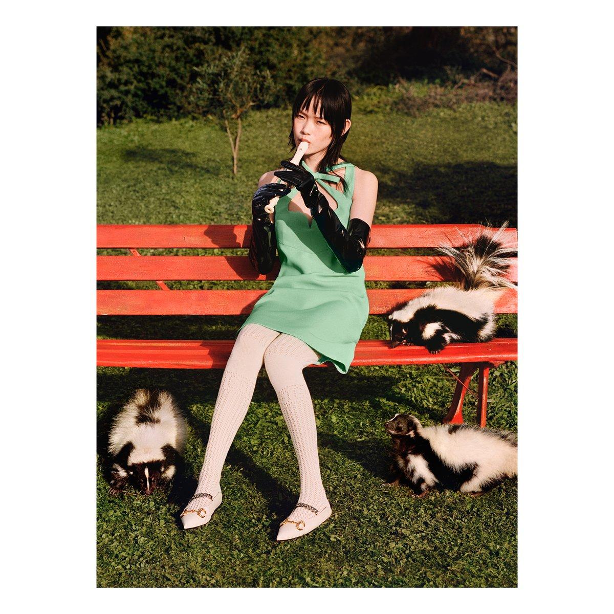 #GucciPreFall20 コレクションの広告キャンペーン #SoDeerToMe では、昔のおとぎ話やアニメのように、モデルたちがそれぞれのスピリットアニマルと楽しげに対話しています。 https://t.co/9HGtxIYKF6 #AlessandroMichele https://t.co/u21T3GHSE7