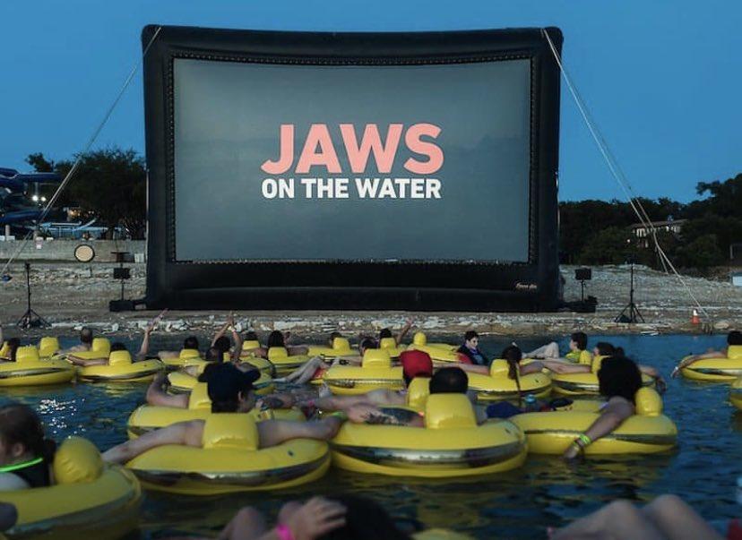 海でジョーズを上映するの最高すぎる🦈臨場感はんぱない