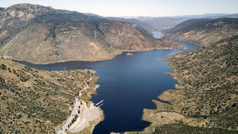 Tomorrow, the Board of Supervisors will be voting on a cost-sharing agreement between the @CityofSanDiego and the @SanDiegoCounty to keep our lakes and reservoirs open to safe and responsible recreation. Special thx to Mayor @SteveVaus and @Dianne_Jacob for their leadership! https://t.co/4PfMroJ5A3