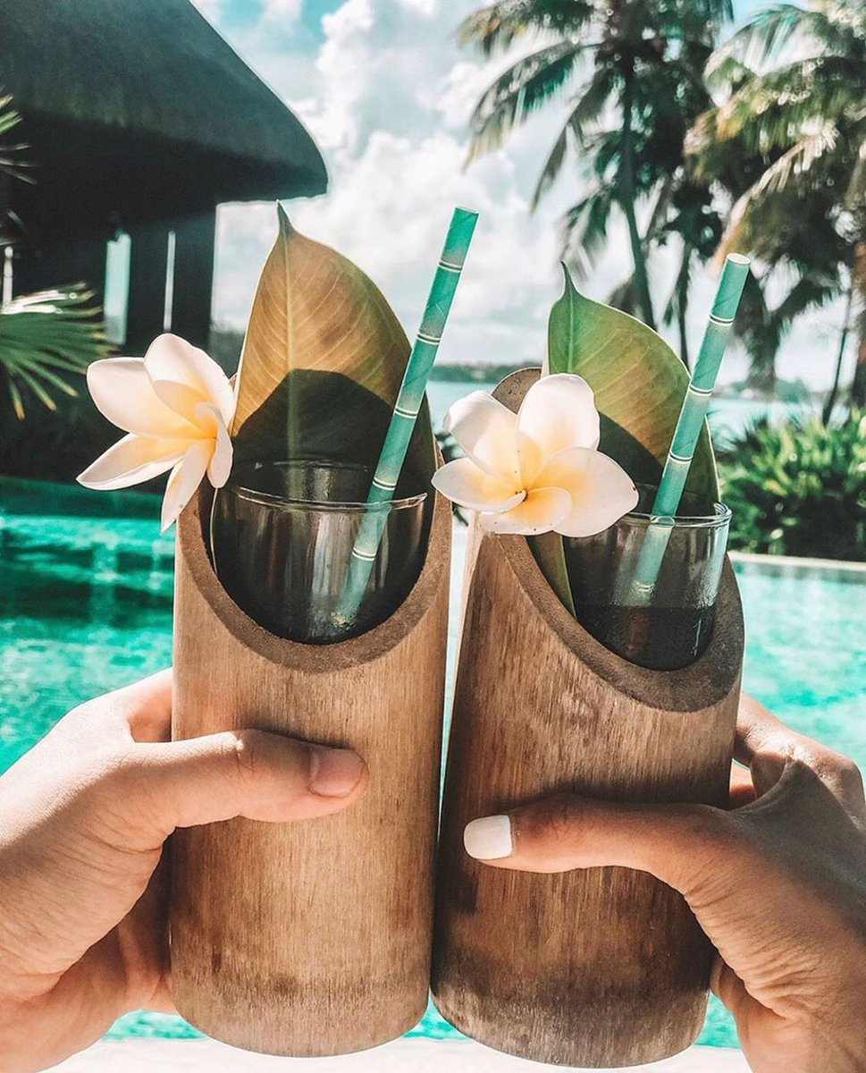 Cheers to vacation! At @shangrilamauritius, hospitality from the heart begins the moment you arrive with homemade infused hibiscus tea.  #MyShangriLa  Photo Credit: @ynet_vacation https://t.co/YlxsdhdVbf