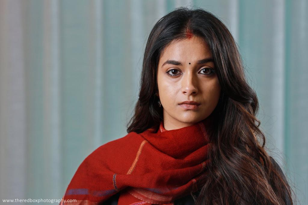 We can see #Rythm in this photoshoot pics too , I mean see her reaction   @KeerthyOfficial akka lived in the character #Rythm    #penguin pic.twitter.com/RxzjOGOKcw