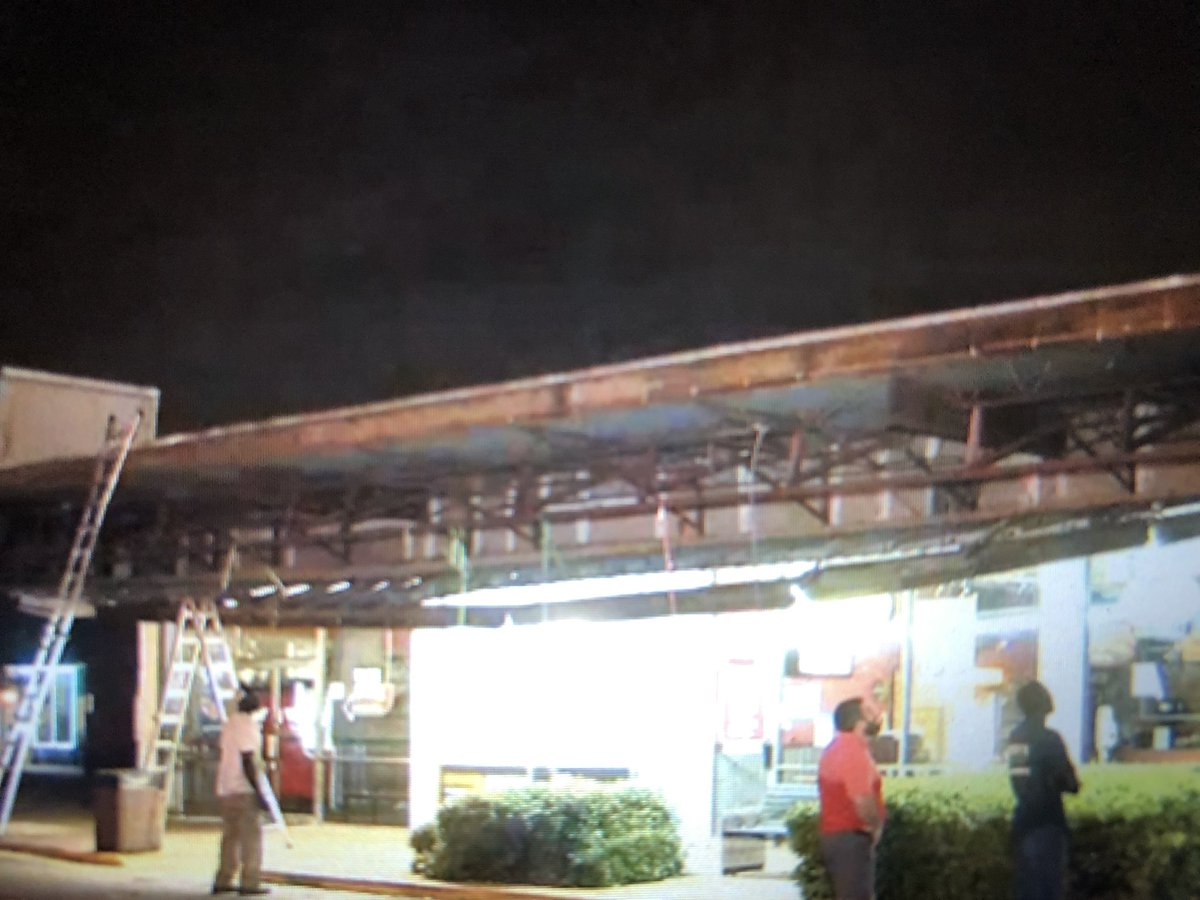 Live@6am more severe weather heading our way after damaging winds ripped the roof off a strip mall in Conyers #wsbtv