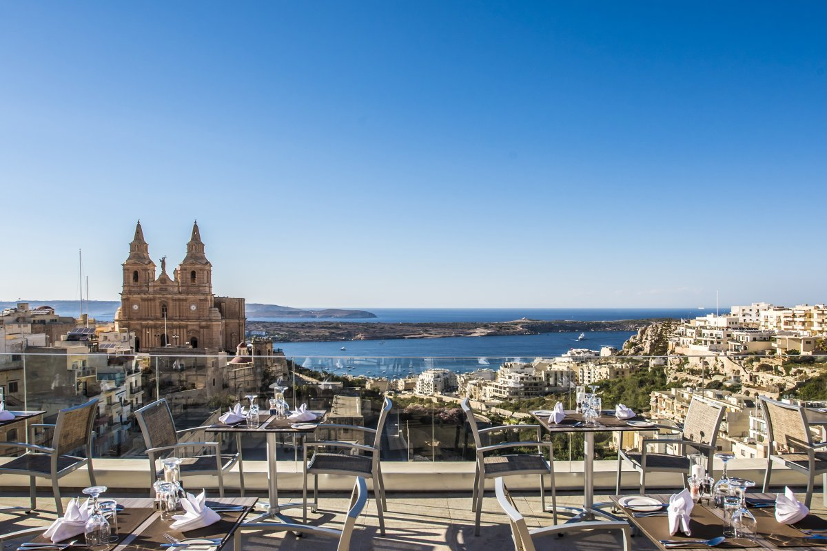 🤩View of Mellieha church ⛪ from our rooftop ☀️   #rooftop #view #summer #mellieha #maritim #hotel #maritimmalta #malta #baybliss #pool #holiday https://t.co/RJKiivHLWy