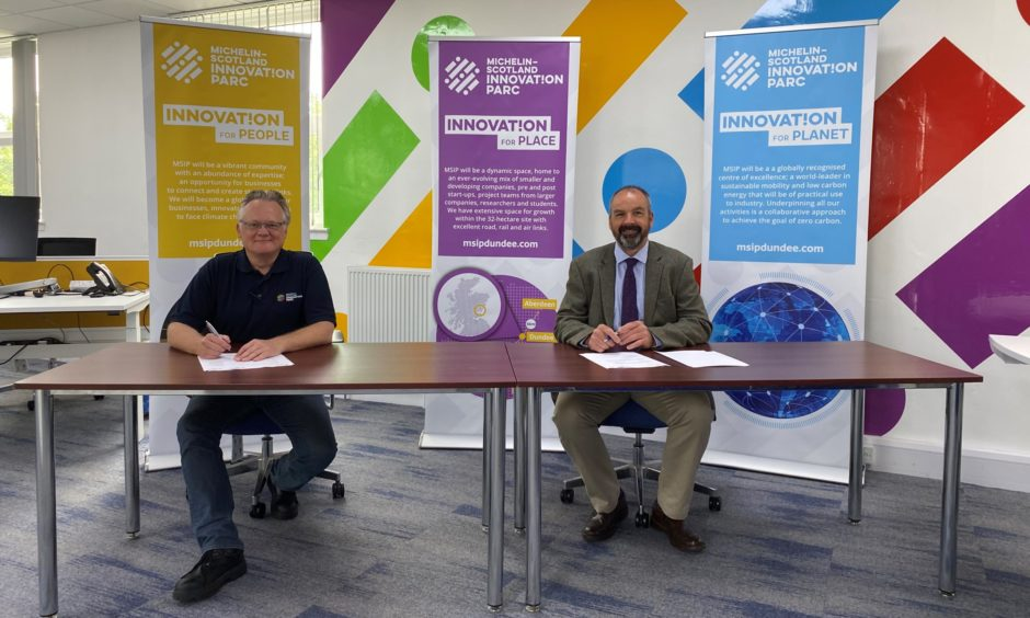 Michelin Scotland Innovation Parc signs partnership agreement with University of Dundee https://t.co/3bJyKwyPgh https://t.co/IU0REPlrGC