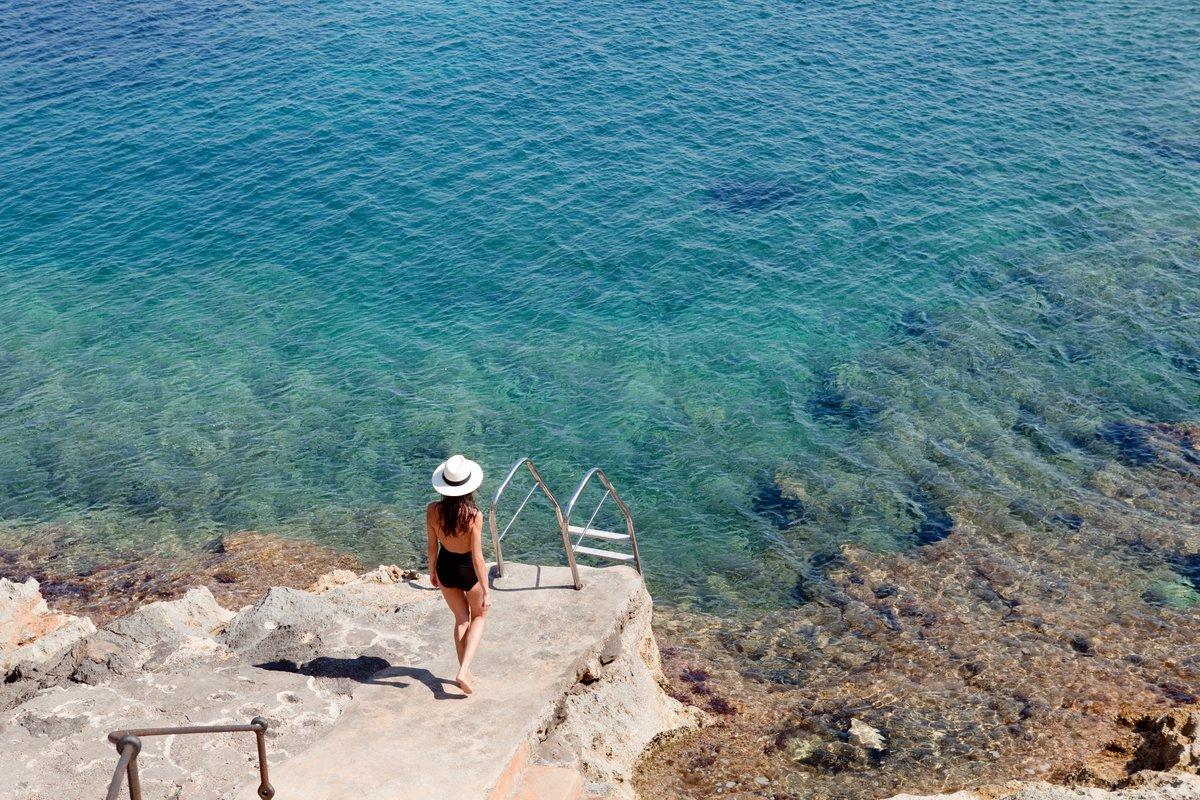 Nuestros clientes ya empiezan a viajar, con todas las seguridades NUBA. Vuelve a sentir el mar. @cap_rocat #viajaseguro #mallorca #hotelesconencanto #expericiasnuba https://t.co/BHjL4w7mFk