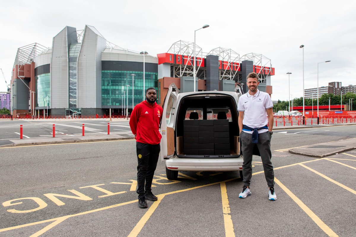 Back-to-School checklist: Pens ✅  Notepad ✅  Maths kit ✅  @carras16 knocking on your front door?! 🤩  We have teamed up with @_MCFoundation to provide special packs to children starting high school in September 🏫  Visit our website to find out more 👉 https://t.co/AYLLnoJX2I https://t.co/teAAYrrw8x