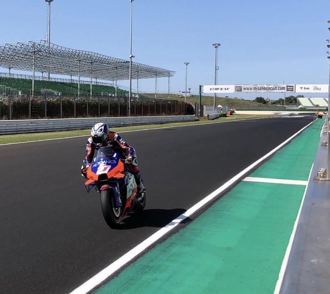 Vuelta a la pista con grandes sensaciones!✊🏽🔥 • • Back to the track with great sensations!✊🏽🔥
