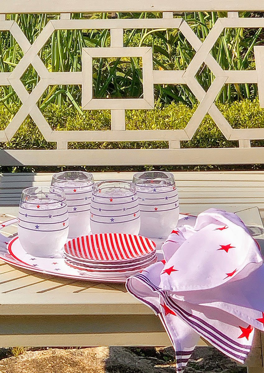 Martha Stewart Pa Twitter On Today S Https T Co Mn7welyqpg Great Summer Items From My Collection Macys It Has Everything You Ll Need For Festive Outdoor Entertaining At Home Napkins Trays Glasses Serving Platters