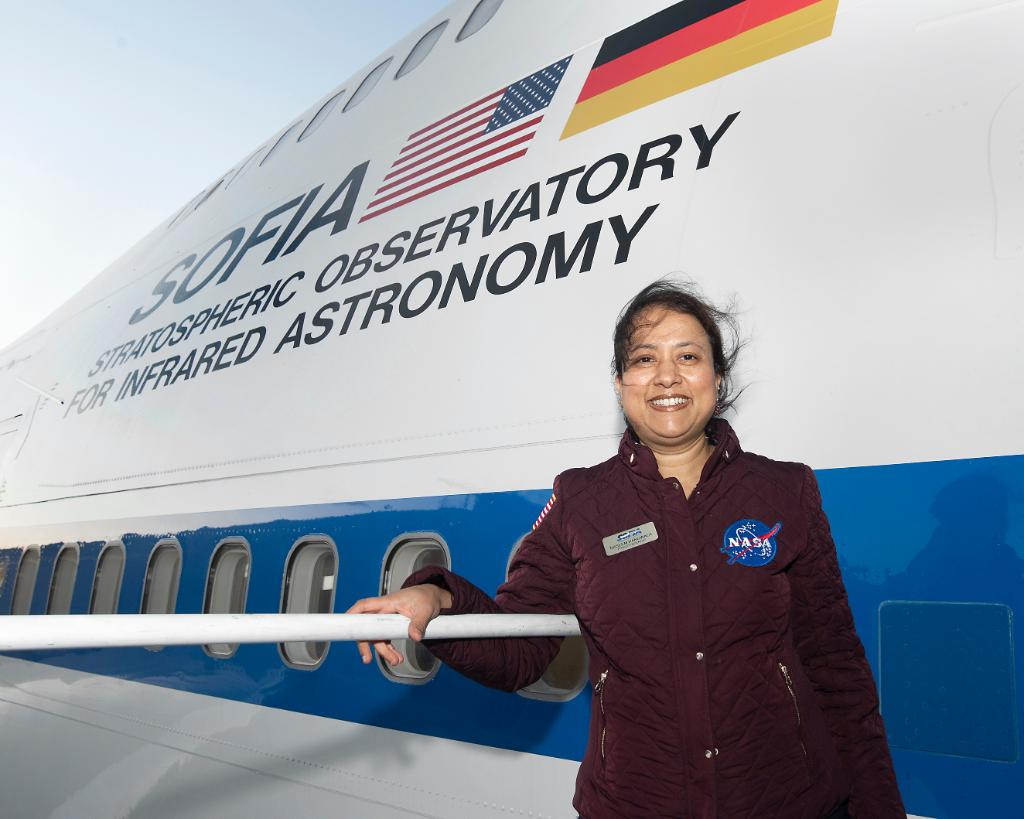 """I may have been one of the first women to leave my community who was not married, and who went abroad, pursued PhD… I had no role model in that sense. I had to take that challenge on my own."" Meet Naseem Rangwala, project scientist for @SOFIATelescope: go.nasa.gov/3fLb2UY"