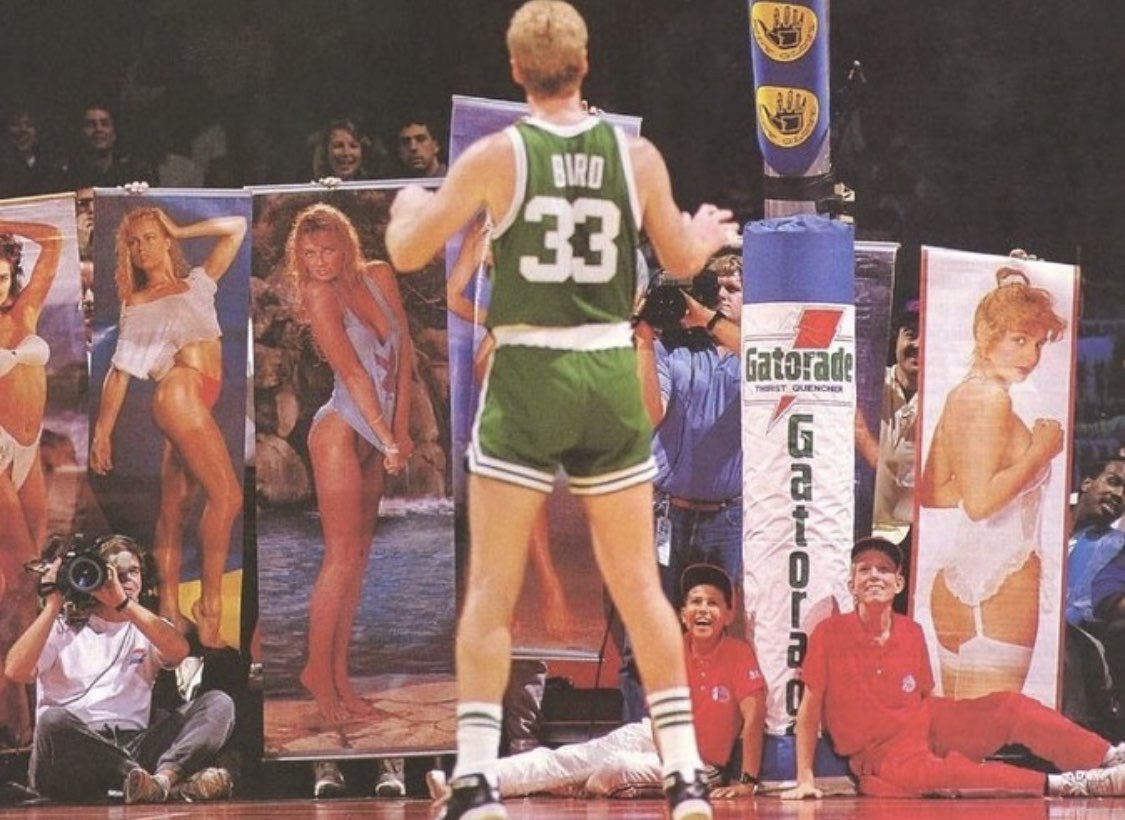 (1989) Fans trying to distract Larry Bird at the free throw line. He made both. ❄️