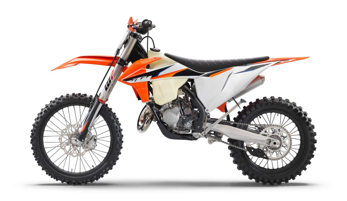 We're here to make your #TWOSTROKETUESDAY extra special with an all-new addition to the cross-country family! The MY21 KTM 125 XC delivers advanced agility and power to fulfill the demands of any young aspiring offroad rider! #KTM #READYTORACE #MY21KTM #125XCpic.twitter.com/3i7ogZI0m6