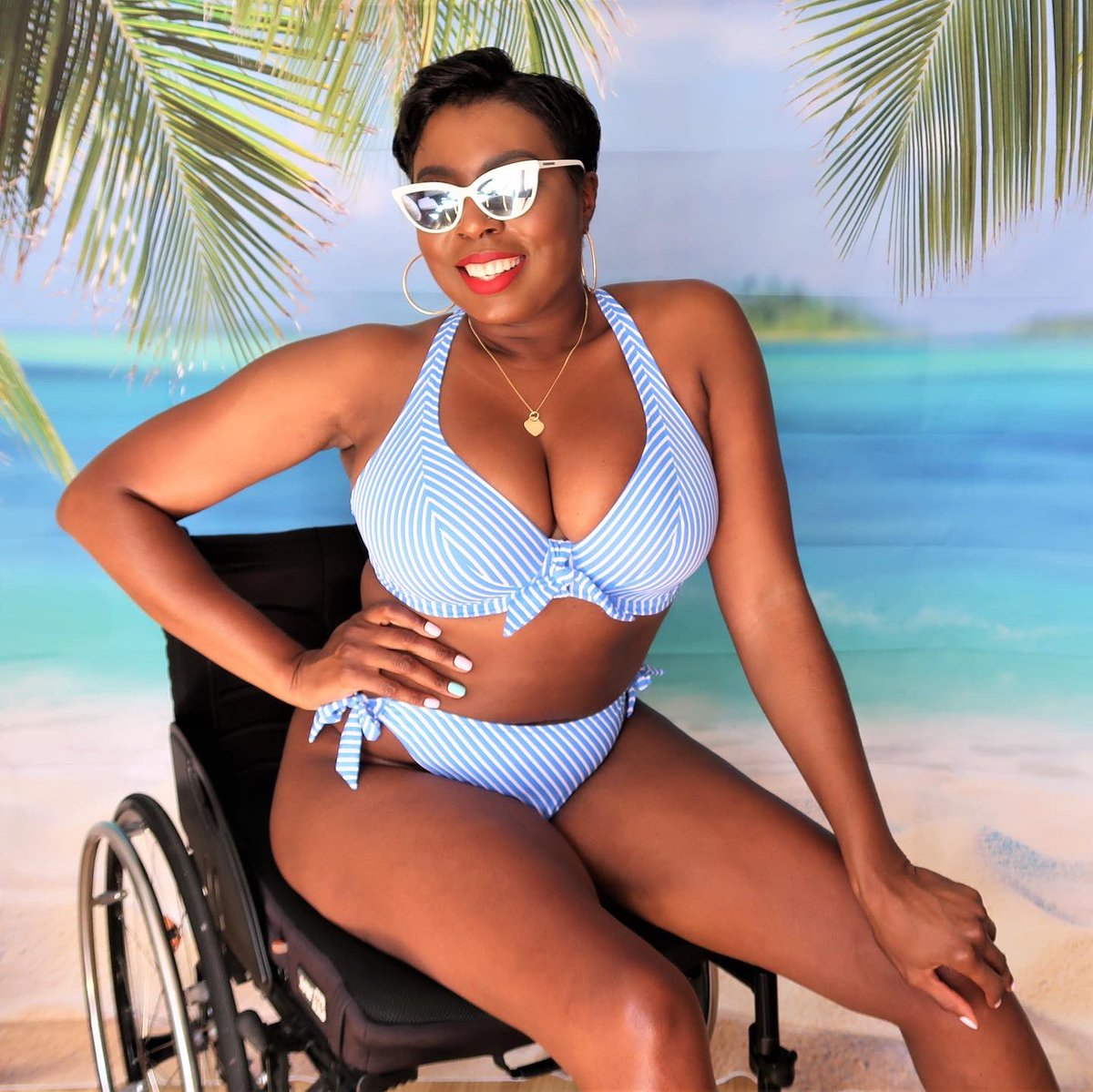 So, as of the 4th July hotels in England will be open. Hands up if you're already planning a holiday? @figleaveshome   #friendsoffigleaves #swimsuit #swimwear #holidayready #bodyconfidencemovement #disabledmodel #styleinspo #bodypositivity #disabledblogger #rollinfunkypic.twitter.com/gmKsVyeRMc
