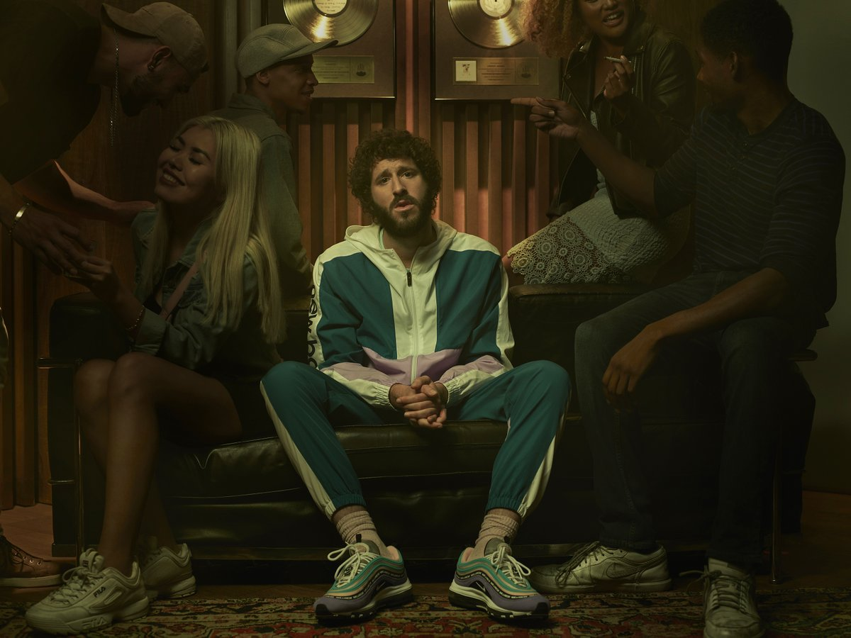 If you missed last night's #DaveFXX panel with Lil Dicky and friends, here are some highlights, including way more information than you probably wanted about the hiking scene where Dave... well, you know:  https://t.co/9efrZucw7T https://t.co/Ajm0WjbNIp