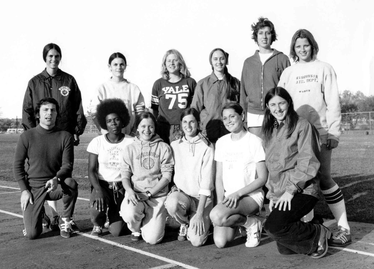 🎉 𝓒𝓮𝓵𝓮𝓫𝓻𝓪𝓽𝓲𝓷𝓰 48 𝔂𝓮𝓪𝓻𝓼 𝓸𝓯 𝓣𝓲𝓽𝓵𝓮 𝓘𝓧! ✨  Thankful for all of the opportunities that women athletes have been given since 1972! https://t.co/Yrsm2nf1Ux