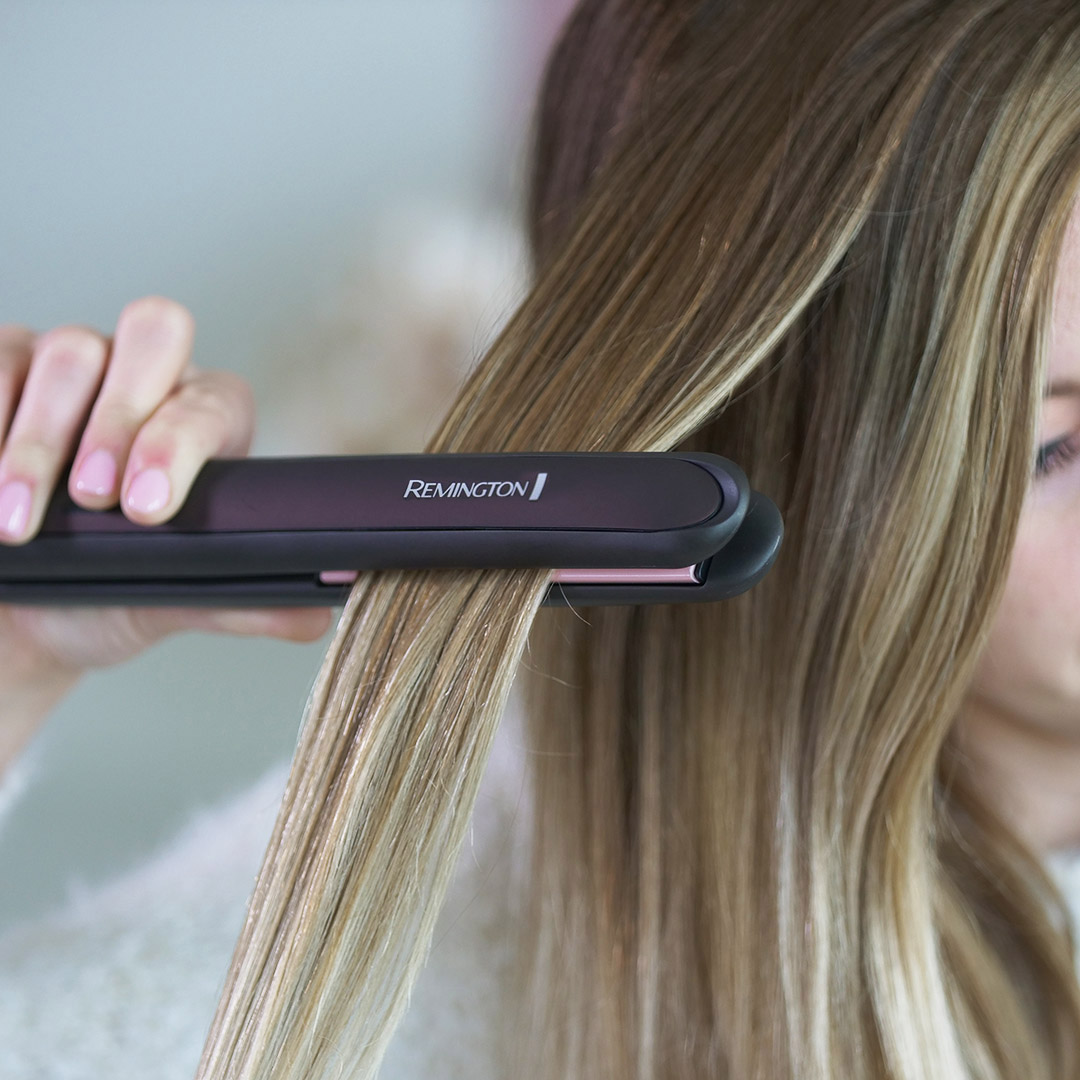 "These slim styling plates contain high levels of ceramic, giving you gorgeous results with minimized damage and frizz.      Check out the REMINGTON® Pearl Ceramic 1"" Flat Iron today.  Available at Walmart: https://t.co/TOZ5hJg2gi https://t.co/HQ487xsUwo"