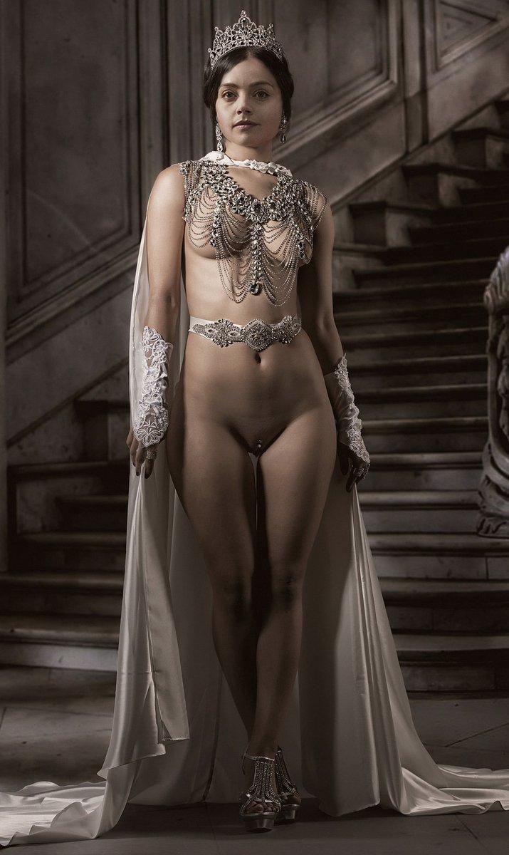 Felina Black Queen Nude