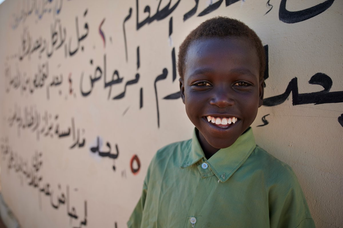 A long running conflict in the Darfur region of Sudan has left many children displaced and their learning discontinued.  Together with @UNICEFSudan, we are helping over 10,000 children in Darfur go back to school, giving them a chance to build a better future. 🎒 https://t.co/1miR7FakbB