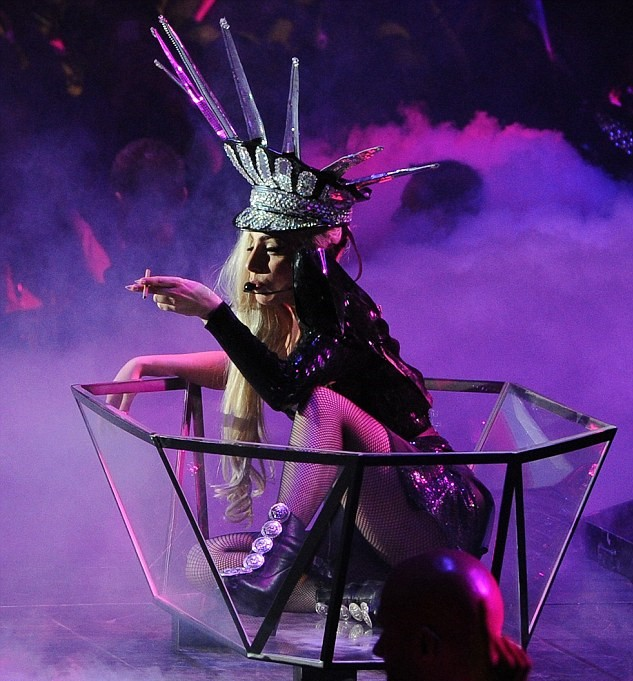 #reLIVEthelive #onthisday in 2012 - @ladygaga completed her 4th SOLD OUT show on her #BornThisWayBall World Tour here in #Sydney! Mother Monster performed with an explosion of costumes, sets, vocals and some killer moves! CLAWS UP! #ladygaga #qudosbankarena #OTD #bornthisway https://t.co/DvIgMWjqKR