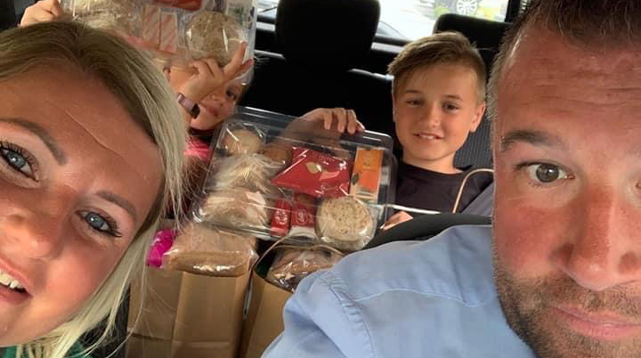 Thank you to our fantastic colleagues, Mark and Lena and their kids, who've been  delivering hampers and goody bags to those that need them most in their local community.  #FeedingTheNation #ItsMoreThanOurJob https://t.co/UzGBTjjkMh