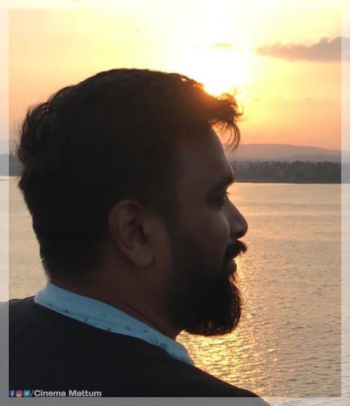 #Actor & #director  #Sasikumar  #sasikumarfans  #sasikumardir  #sasikumar_dir  #sasikumarfansclub  #sasikumaractor  #kollywooddirector  #kollywoodactor  #tamilcinemadirectorpic.twitter.com/0ypWcWc7rW